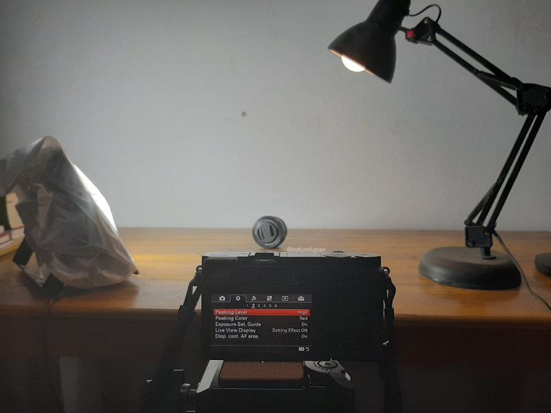 cara menggunakan lensa manual di mirrorless